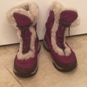 The north face girls faux fur snow boots